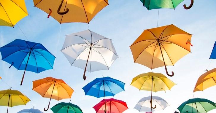 なぜか傘がいつの間にか無いんです。だから購入。